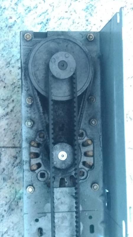 Manutenção de porta automática