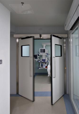 Porta automática pivotante